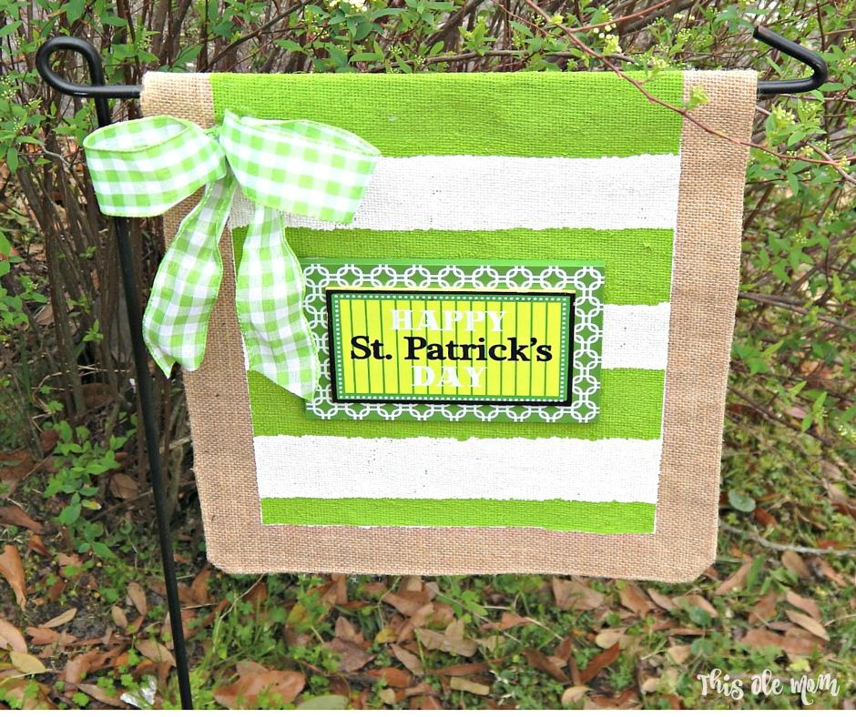 St.Patrick's Day No-Sew Burlap Garden Flag