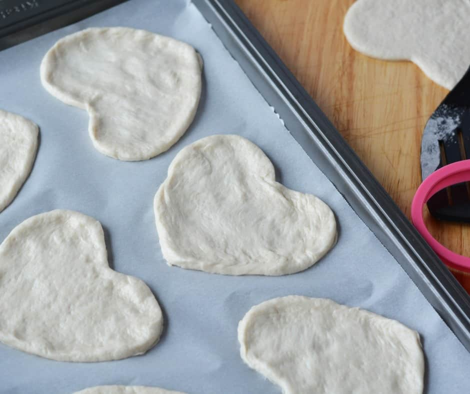dough pizza hearts