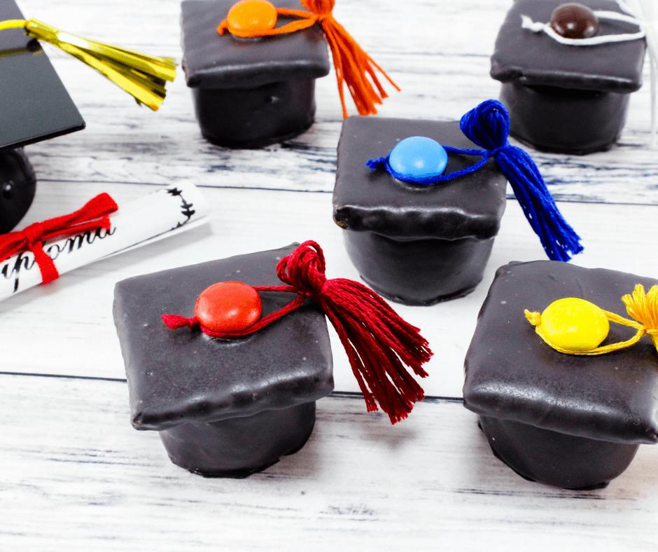 Adorable Graduation Caps Dessert