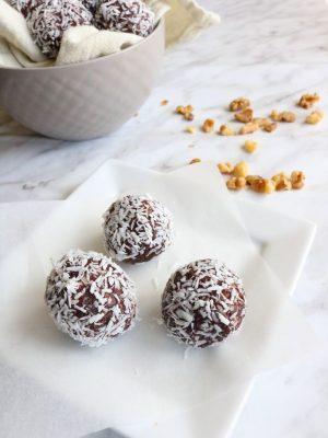 Chocolate Coconut Energy Balls