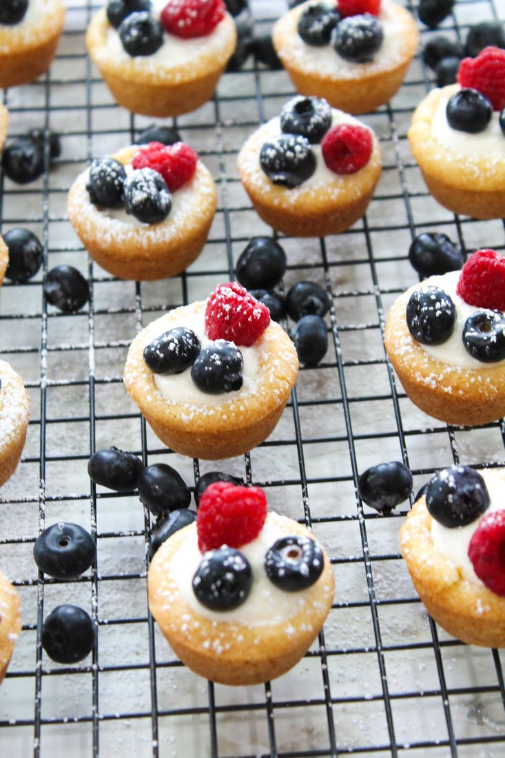Berry Cream Cheese Cookie Cups