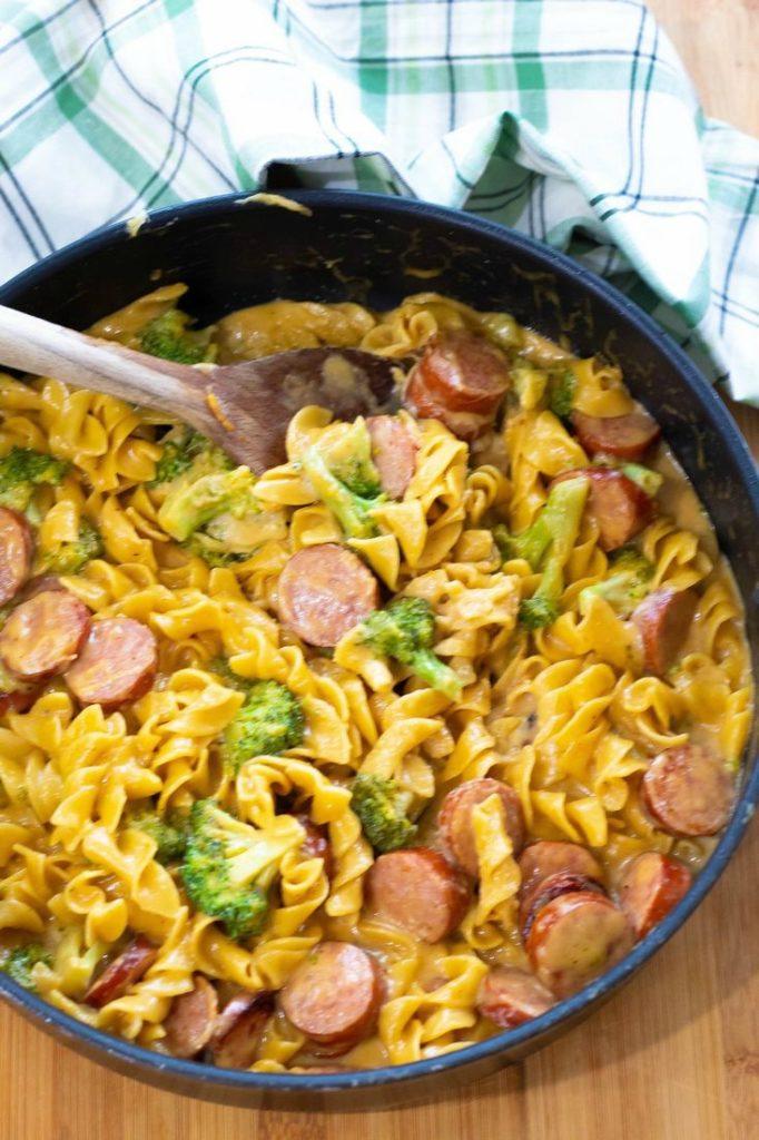 Sausage and Cheesy Broccoli Pasta