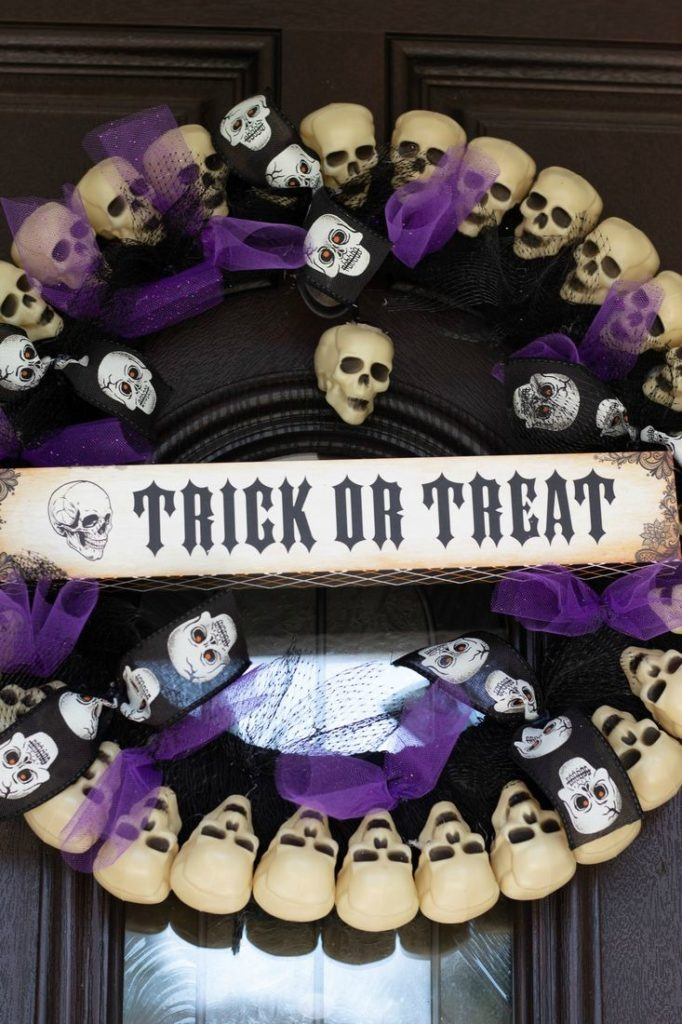 Dollar Tree Halloween Skull Wreath