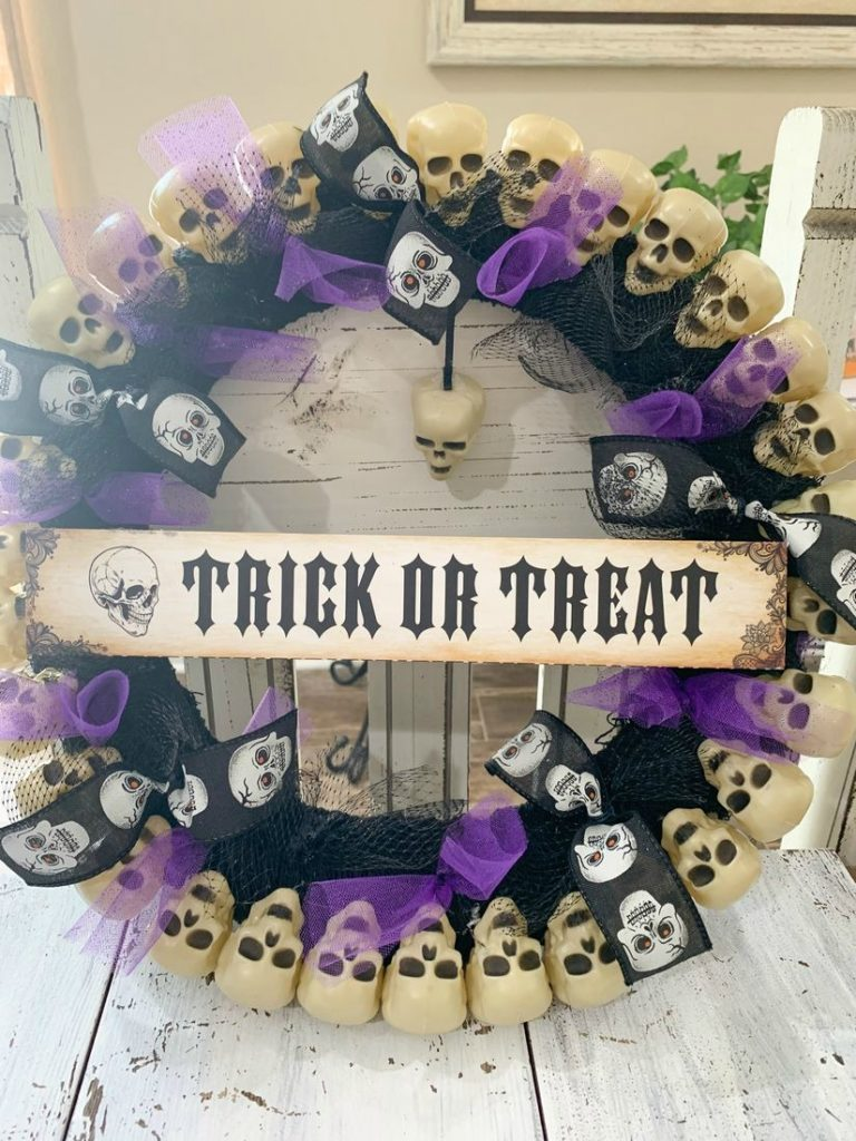 DIY Dollar Tree Skull Wreath