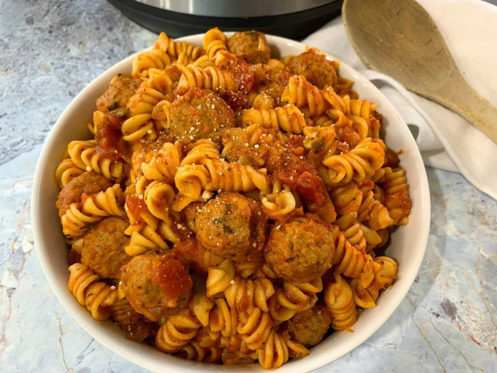 Instant Pot Rotini Pasta and Meatballs